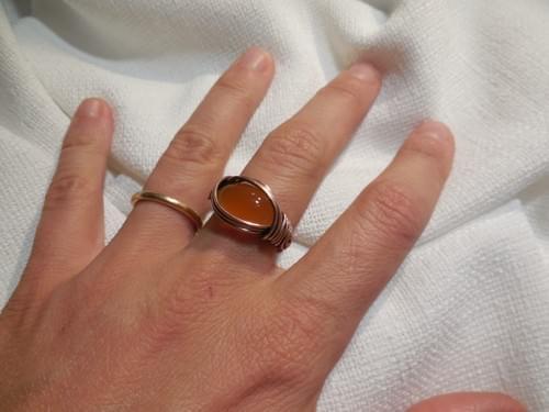 Anello ricamato in Rame e Agata Gialla