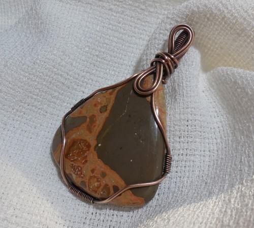 Ciondolo Amuleto in Diaspro e Rame