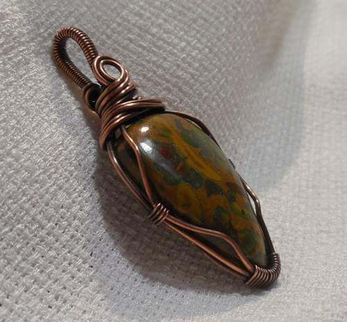Ciondolo Amuleto in Diaspro (Fruit Jasper) e Rame