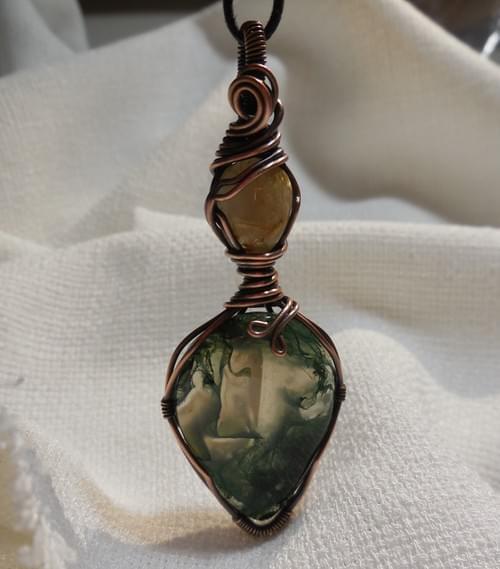 Ciondolo Amuleto in Agata muschiata, quarzo rutilato e Rame
