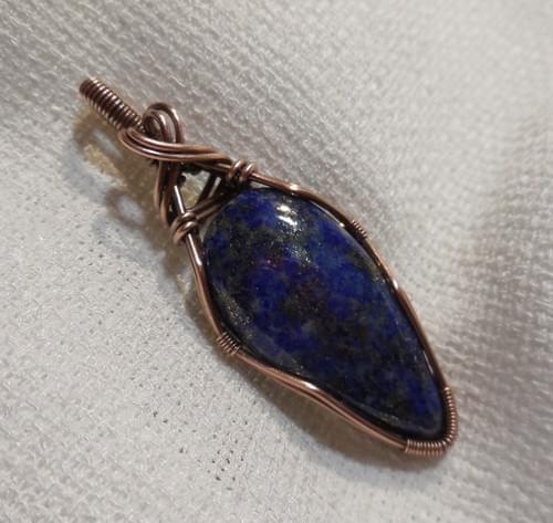 Ciondolo Amuleto in Lapislazzuli e Rame