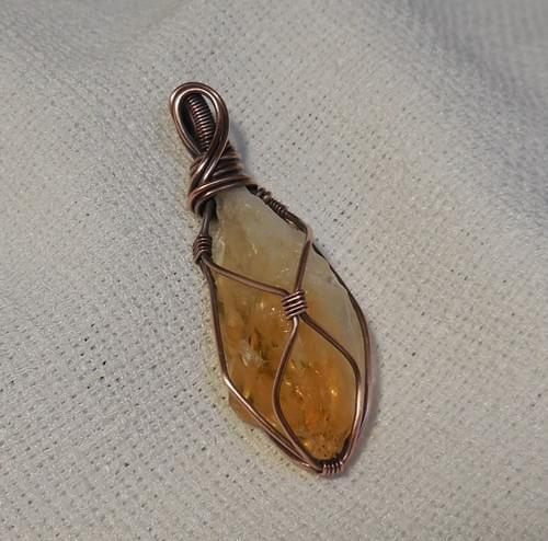 Ciondolo Amuleto in Citrino Grezzo e Rame