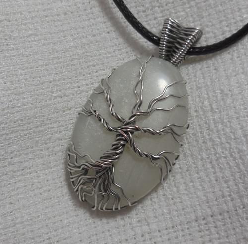 Ciondolo Albero della Vita in Argento e Pietra di Luna