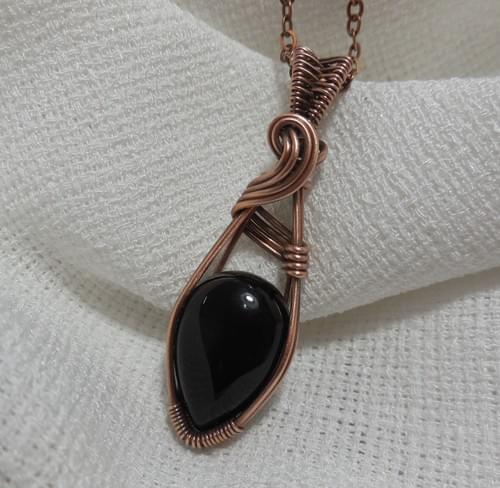 Ciondolo Amuleto in Onice e Rame