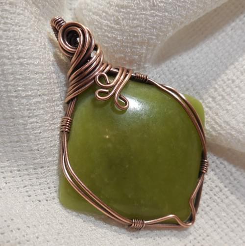 Ciondolo Amuleto in Serpentino e Rame