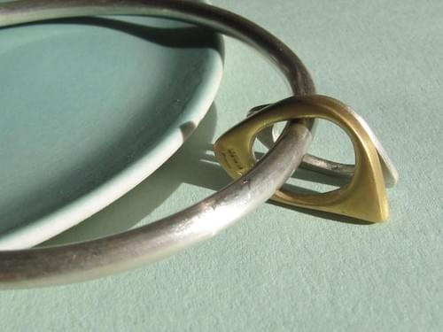 Two Quirky Ovals Bangle in gold and silver