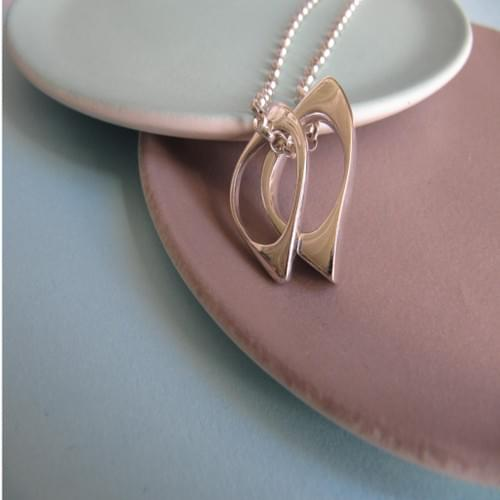 Two Quirky Ovals Necklace
