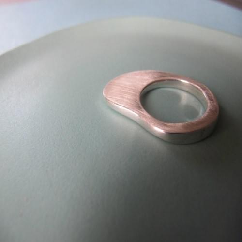 Infinity Rounded Curve Ring