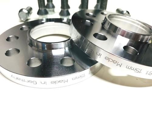 アルファロメオ ステルヴィオ 15mm ホイールスペーサー & ボルトキット