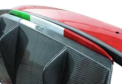 アルファロメオ ジュリア QV リアカーボンリップ(トリコローレカラー )