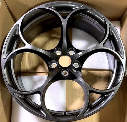 アルファロメオ ジュリア QV GTA STYLE 20インチ アルミホイールセット(ダークグレイ)