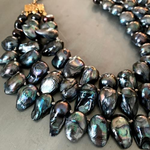Peacock Blister Pearl Three-Strand Necklace