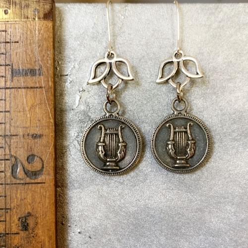 Lyre Harp Medallions