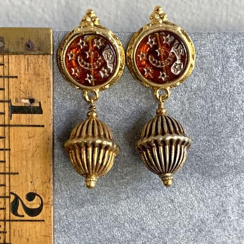Turkish Posts with Ribbed Gold Drop