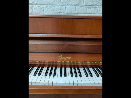 Piano droit Geyer
