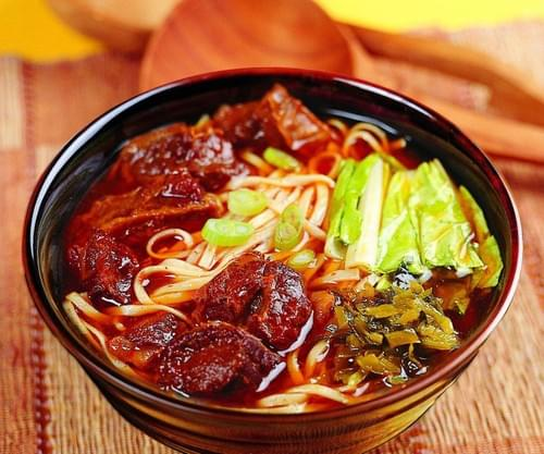 傳統紅燒牛肉麵
