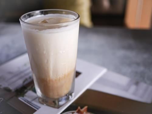 紅茶拿鐵 (微糖)