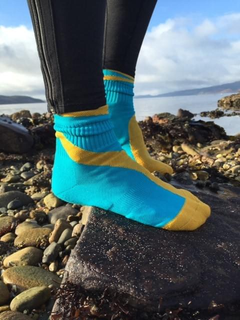 Tildabeest Golden Swirled Running Socks