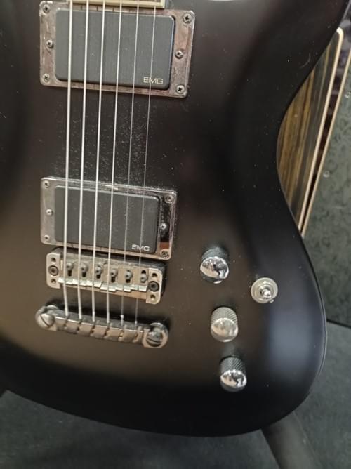 Guitare IBANEZ sz2020