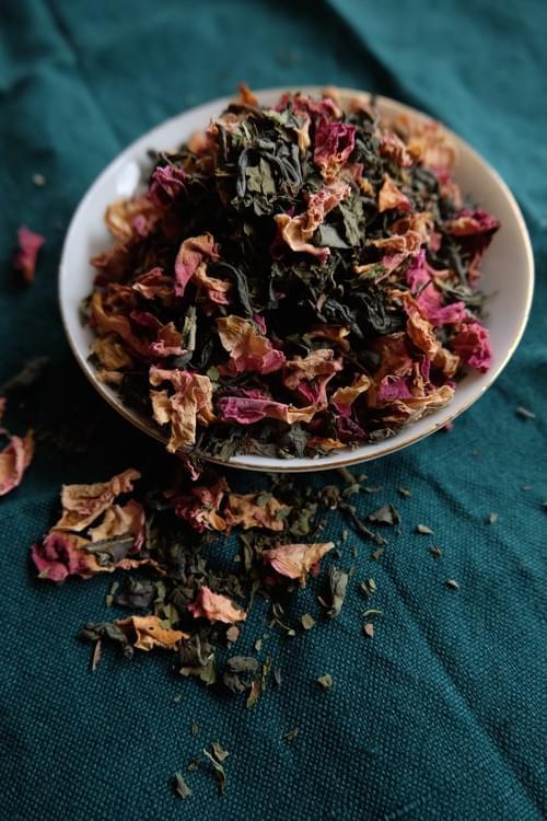 Thé vert oriental à la menthe et rose de Damas (Xinyang, Henan, Chine) 50gr