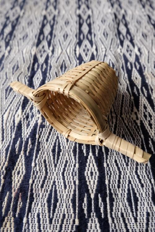 Infuseur en bambou deux poignées