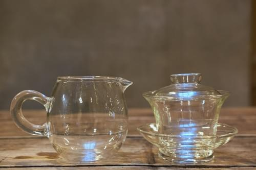 Gaïwan en verre et verseuse