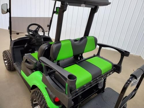 2013 Yamaha Drive Gas Carbureted DELUXE STREET READY Golf Cart, Extreme Green & Black Diamond
