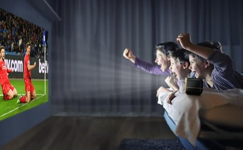 """VIVIBRIGHT L1 kids toys Projector 480*320P, Portable size suitable 60"""" video entertainment 【black】"""