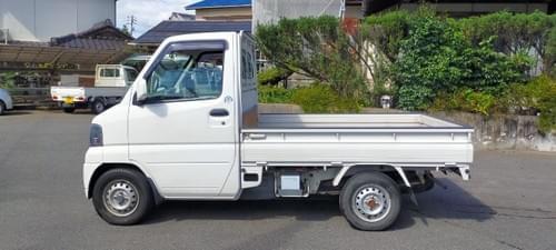 MITSUBISHI MINICAB 2001