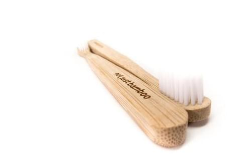 BROSSE A DENTS BAMBOU  x 1