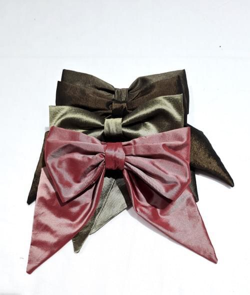 Noeud romantique pour cravate ou broche