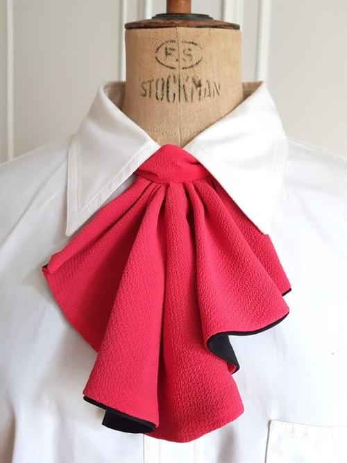 cravate jabot de col