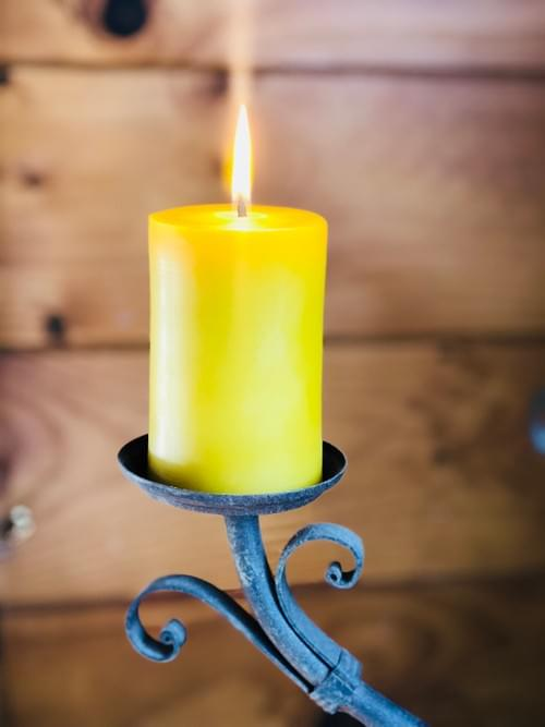 Solid Pillar Beeswax Candle Medium (approx 30hrs burn time)