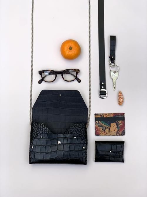 Sac Pliage croco marron ou noir (fourni avec son porte-monnaie assorti+chaîne+ceinture)
