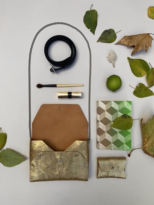 Sac Pliage doré (fourni avec son porte-monnaie assorti+chaîne+ceinture)