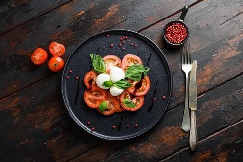 Vorspeisen / Antipasti - Caprese Salat