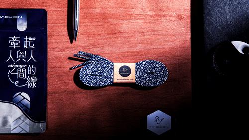 青蘋果樂園 | 雙色圖騰平扁鞋帶 | 風潮六色系| 附經典世界名著詩詞書籤卡 |【台灣設計師+台灣製造商】𝐌𝐀𝐂𝐇𝐈𝐄𝐍