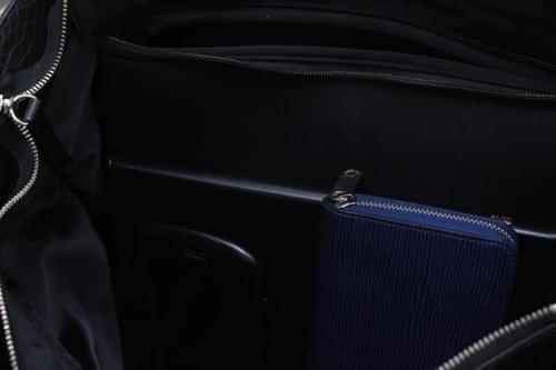 クロコダイルマットレザー・トート