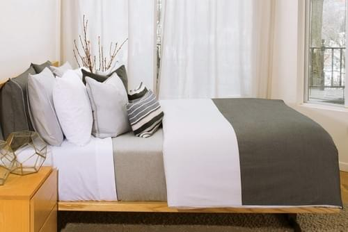 2 THREADS SN.001 – CHARCOAL & GREY BEDDING COLLECTION