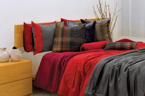 2 THREADS SN.008 – RED & CHARCOAL BEDDING COLLECTION