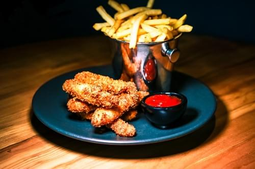 CRISPY CHICKEN GOUJONS AND CHIPS