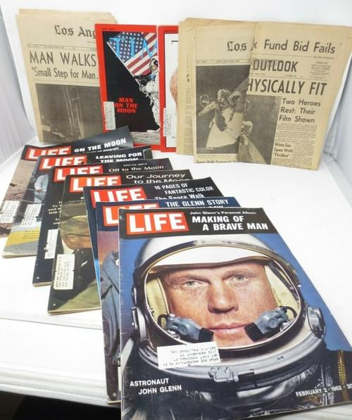 Nasa 12 Magazines Newspapers