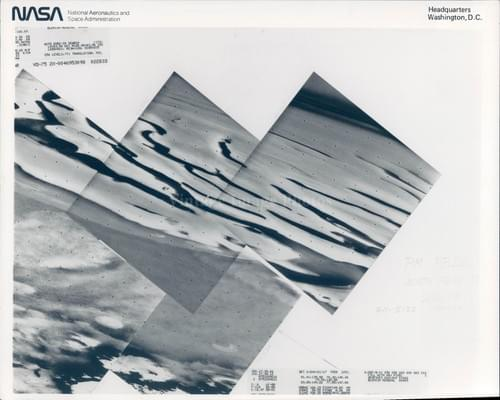 NASA original Mosaic photo of the North pole of Mars taken by Vicking (1976)