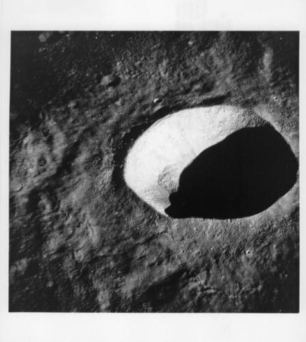 APOLLO 10 / Orig NASA 8x10 Press Photo - Close View of Lunar Crater