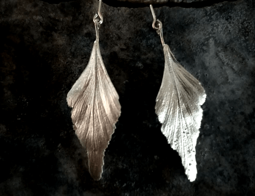 Celery top pine articulated stud earrings - silver