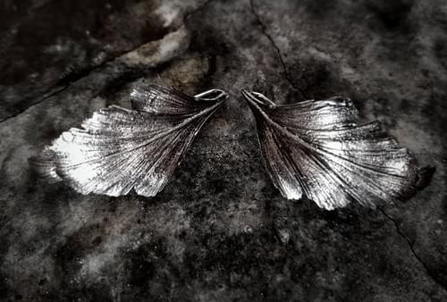 Celery top pine hook earrings