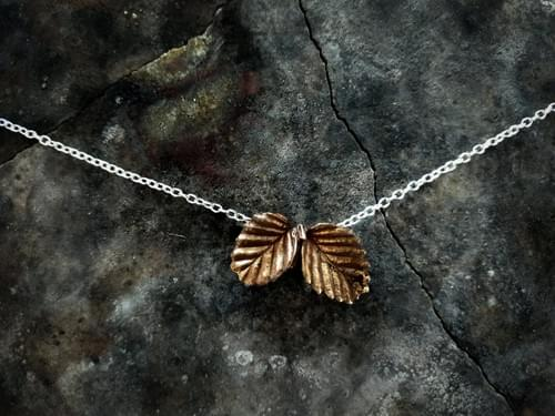 Fagus beech two leaf necklace