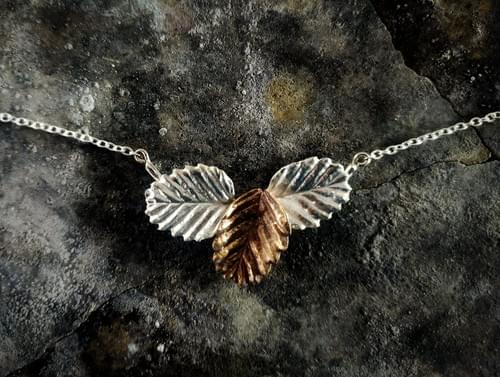 Fagus beech three leaf necklace
