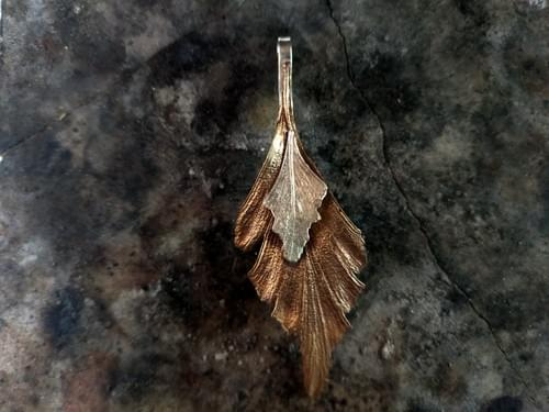 Celery top pine two leaf pendant