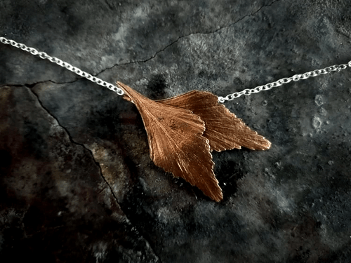 Celery top pine twin leaf necklace
